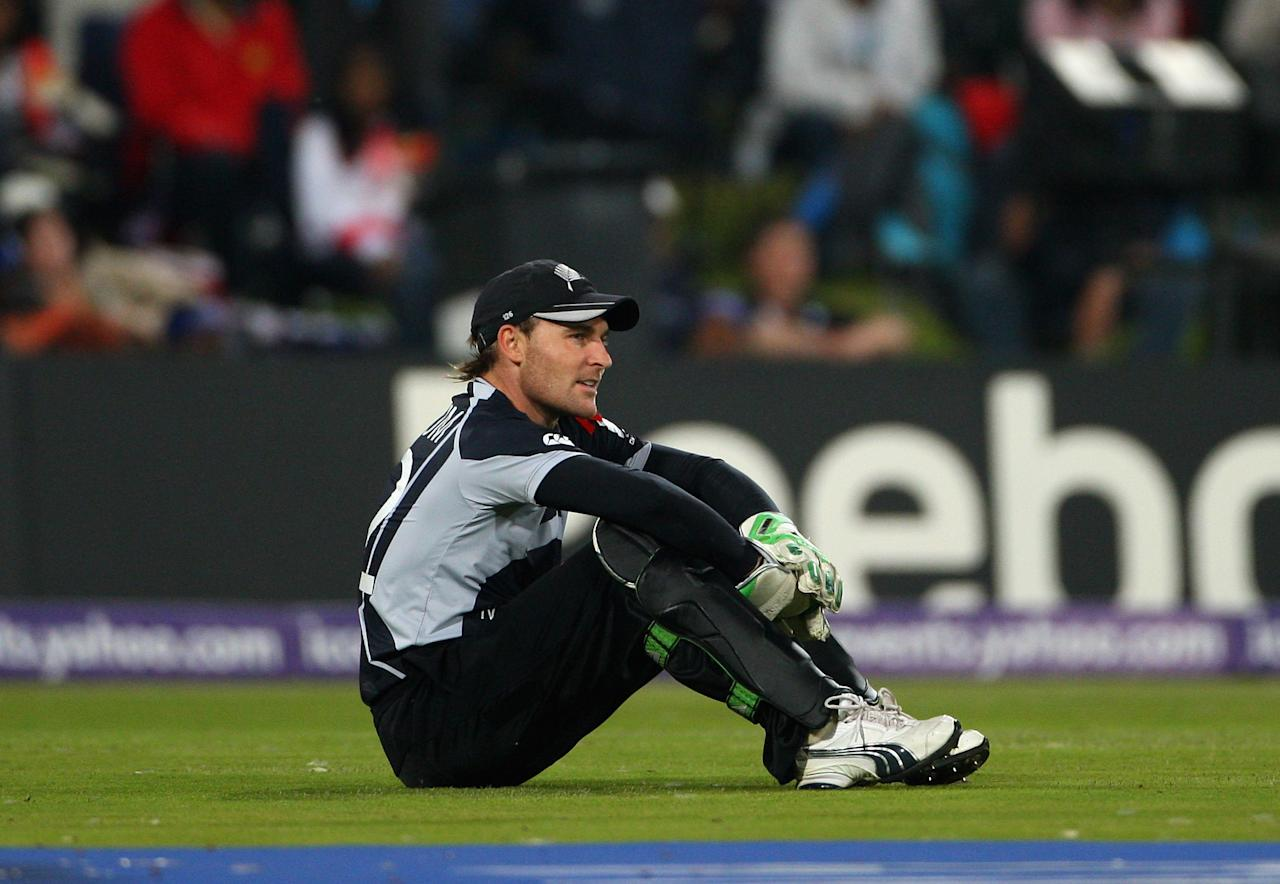 CENTURION, SOUTH AFRICA - OCTOBER 05:  Brendon McCullum of New Zeland looks on after dropping a catch during the ICC Champions Trophy Final between Australia and New Zealand played at Supersport Park on October 5, 2009 in Centurion, South Africa.  (Photo by Tom Shaw/Getty Images)