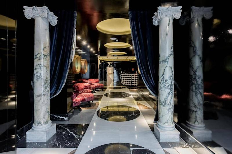 This modern design hotel has been decorated by antique expert and interior designer Lorenzo Castillo (Room-Mate Anna)