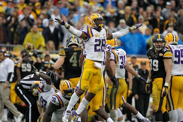 LSU safety Jalen Mills returns to practice after battery charges are reduced