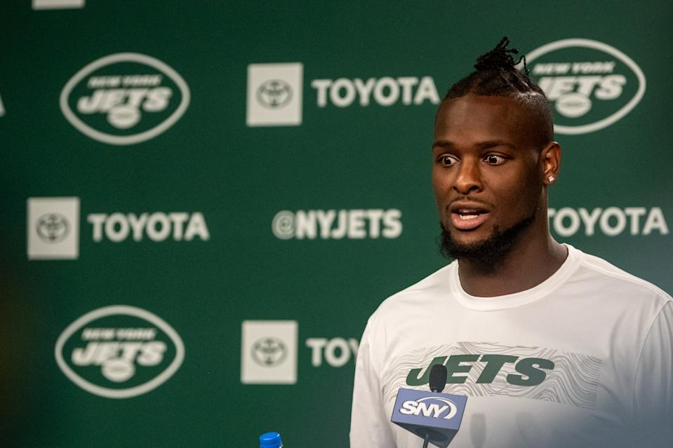 Quite the story: Jets running back Le'Veon Bell couldn't provide much detail on the women who alleged robbed his home. (Getty Images)