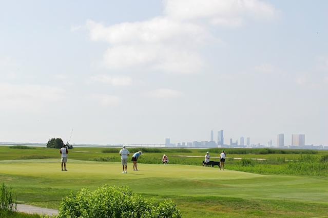 "<h1 class=""title"">ShopRite LPGA Classic - Round Two</h1> <div class=""caption""> The second green at Seaview's Bay course, with the Atlantic City skyline in the backdrop. </div> <cite class=""credit"">(Photo by Michael Cohen/Getty Images)</cite>"