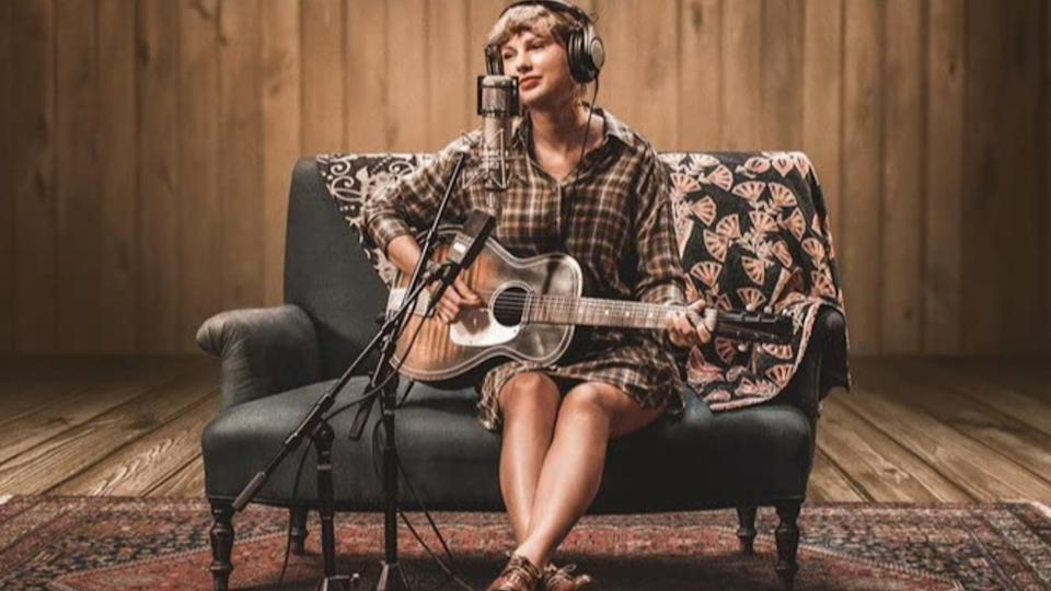 Taylor Swift in Folklore: The Long Pond Studio Sessions