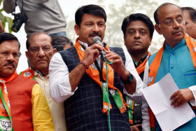 'Script pehle se hi taiyar thi': Manoj Tiwari claims Shaheen Bagh shooter had AAP link way before Delhi police; Twitter reacts