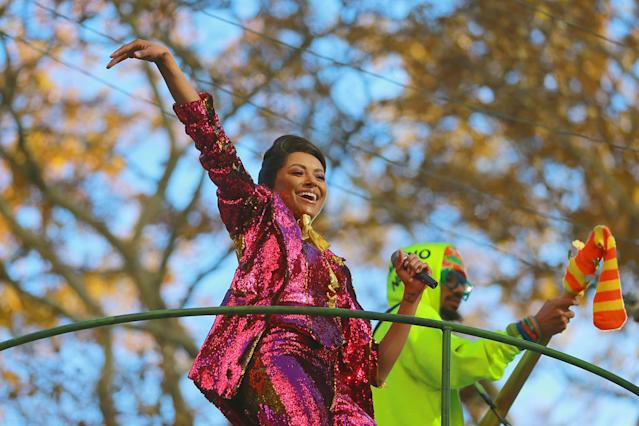 <p>Singer Kat Graham performs on the Teenage Mutant Ninja Turtles float from Nickelodeon in the 91st Macy's Thanksgiving Day Parade in New York, Nov. 23, 2017. (Photo: Gordon Donovan/Yahoo News) </p>