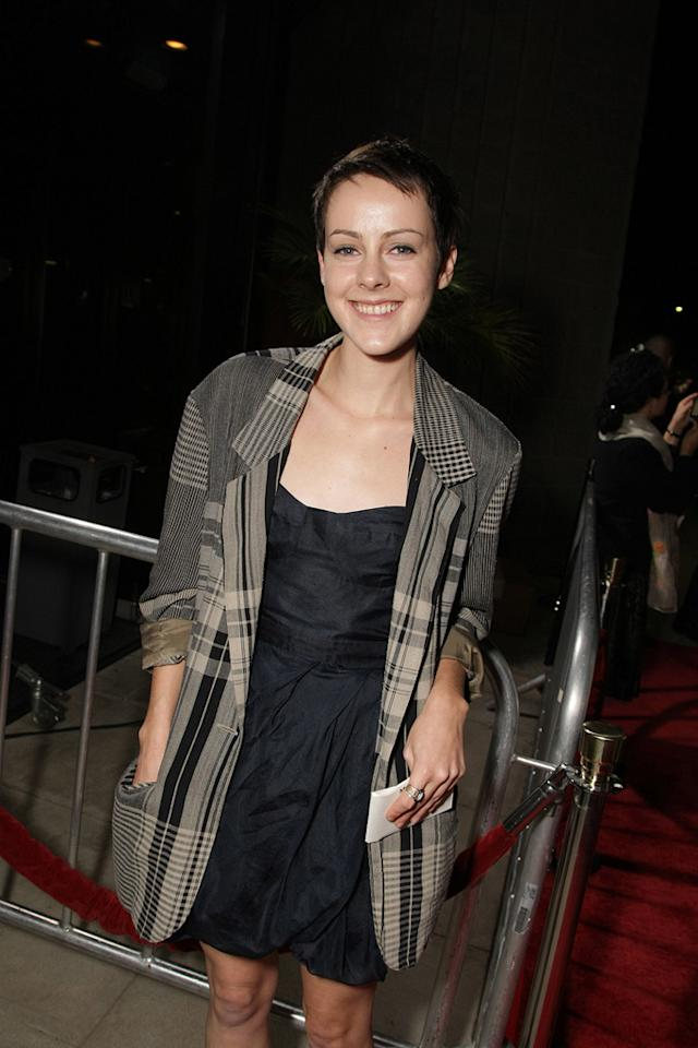 "<a href=""http://movies.yahoo.com/movie/contributor/1800019377"">Jena Malone</a> at the Los Angeles premiere of <a href=""http://movies.yahoo.com/movie/1810041985/info"">Milk</a> - 11/13/2008"
