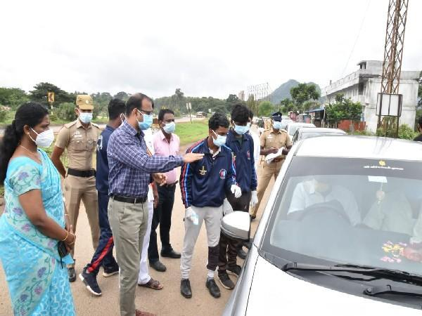 District Collector of Coimbatore reviewing the check points as Coimbatore registers a case of Nipah virus. (Photo/ANI)