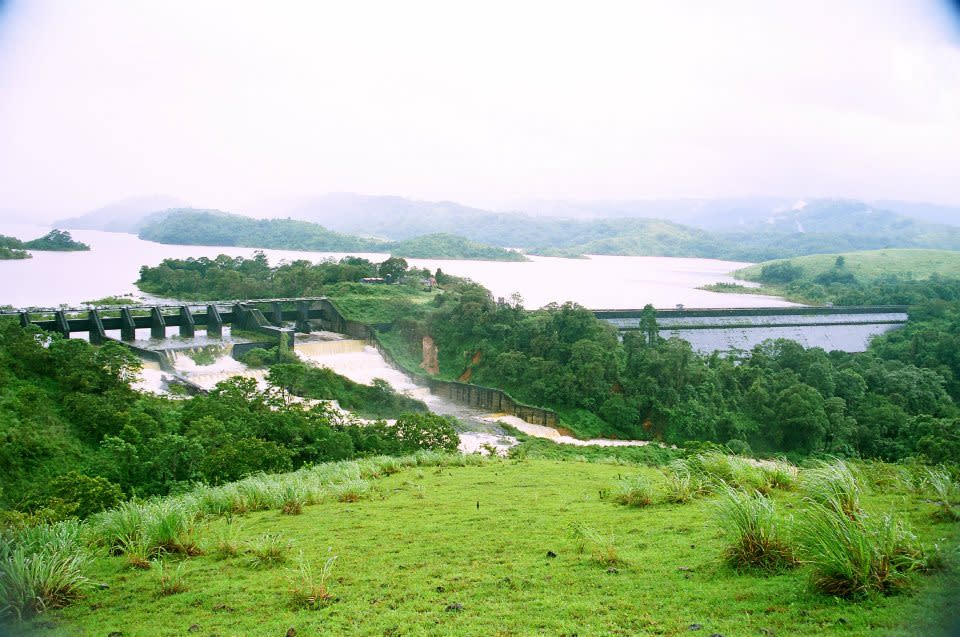<p>Kerala Government has long been demanding construction of a new dam in Mullaperiyar on the Kerala-Tamil Nadu border. Many believe that the existing 116-year-old dam could pose safety hazard. </p><p>While the matter rests with the apex court, we look at some of India's biggest and most famous dams, hailed by Pandit Jawaharlal Nehru as 'The Temples of a Resurgent India'.</p><p><b>Click on Next to view more breathtaking images</b></p>{Photo by Bipinkdas at ml.wikipedia [CC-BY-SA-3.0 (http://creativecommons.org/licenses/by-sa/3.0)], via Wikimedia Commons}