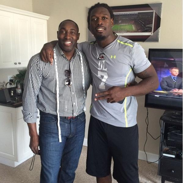 Rashan Michel (L) poses with Houston Texans lineman Jadeveon Clowney. (@thompsonbespoke/Instagram)