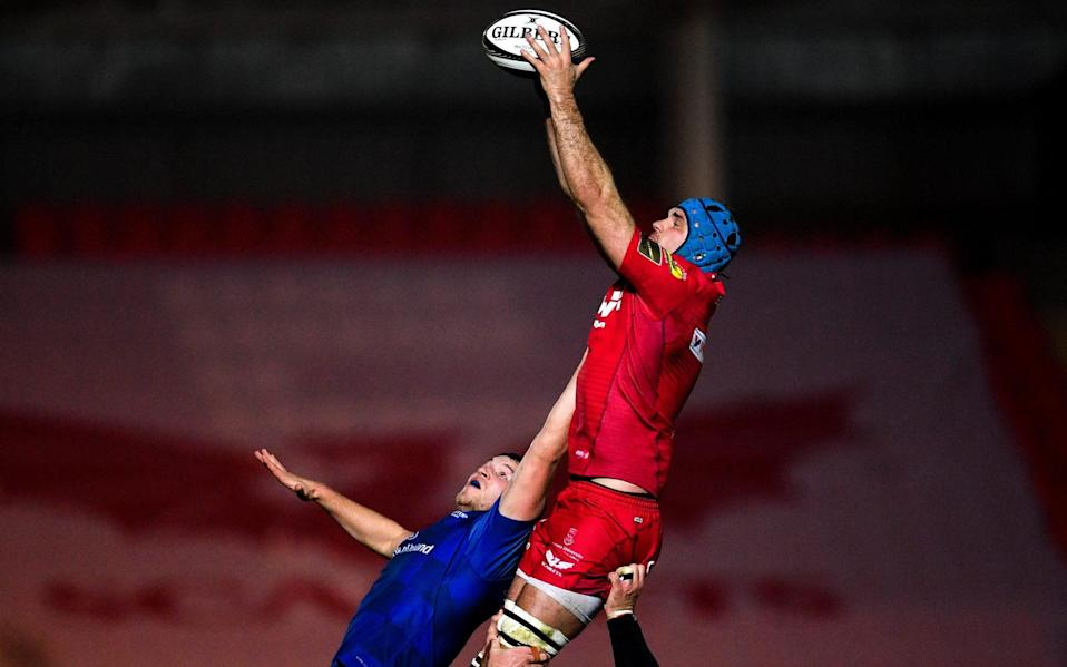 Tadhg Beirne of Scarlets in action against Ross Molony of Leinster during the Guinness PRO14 Round 17 match between Scarlets and Leinster at Parc Y Scarlets in Llanelli, Wales - Ramsey Cardy/Sportsfile via Getty Images