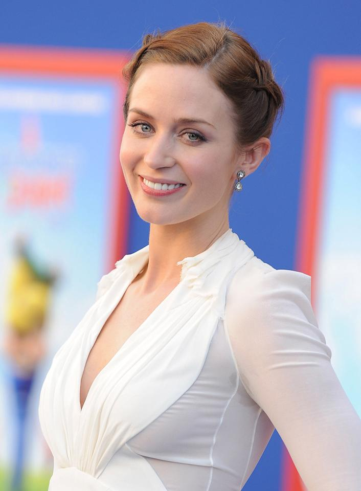 "<a href=""http://movies.yahoo.com/movie/contributor/1808577445"">Emily Blunt</a> attends the Los Angeles premiere of <a href=""http://movies.yahoo.com/movie/1810080528/info"">Gnomeo & Juliet</a> on January 23, 2011."