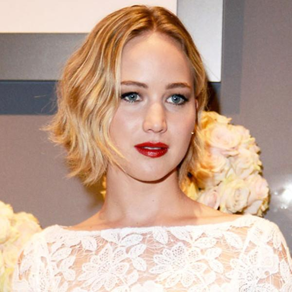Nylon With New Hair Color Jennifer Lawrence Is Now Basically Elsa From Frozen