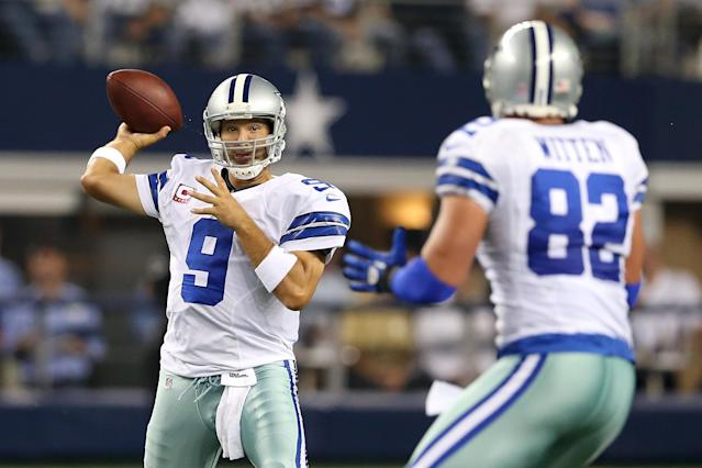 ARLINGTON, TX - OCTOBER 01: Quarterback Tony Romo #9 of the Dallas Cowboys looks to pass the ball to Jason Witten #82 in the first quarter against the Chicago Bears at Cowboys Stadium on October 1, 2012 in Arlington, Texas. (Photo by Ronald Martinez/Getty Images)