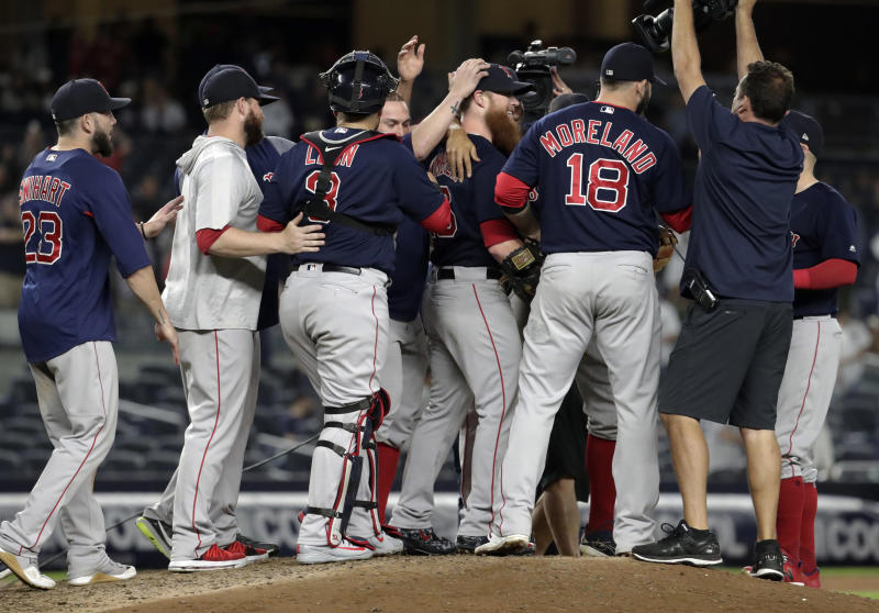 Red Sox clinch 3rd straight AL East title with win at Yanks