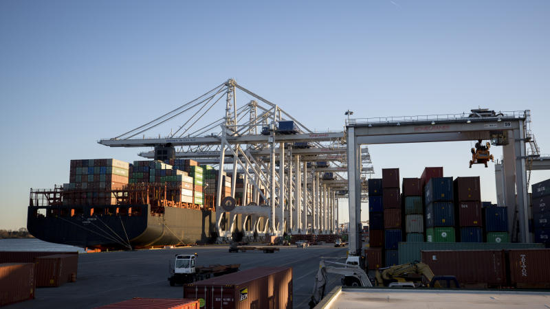 WRAPUP 1-Rising exports push US trade deficit to seven-month low