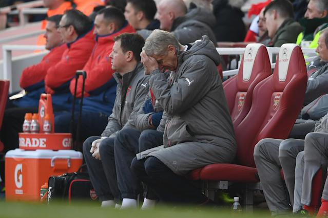<p>Arsene Wenger gets frustrated as the Gunners fail to take their chances </p>