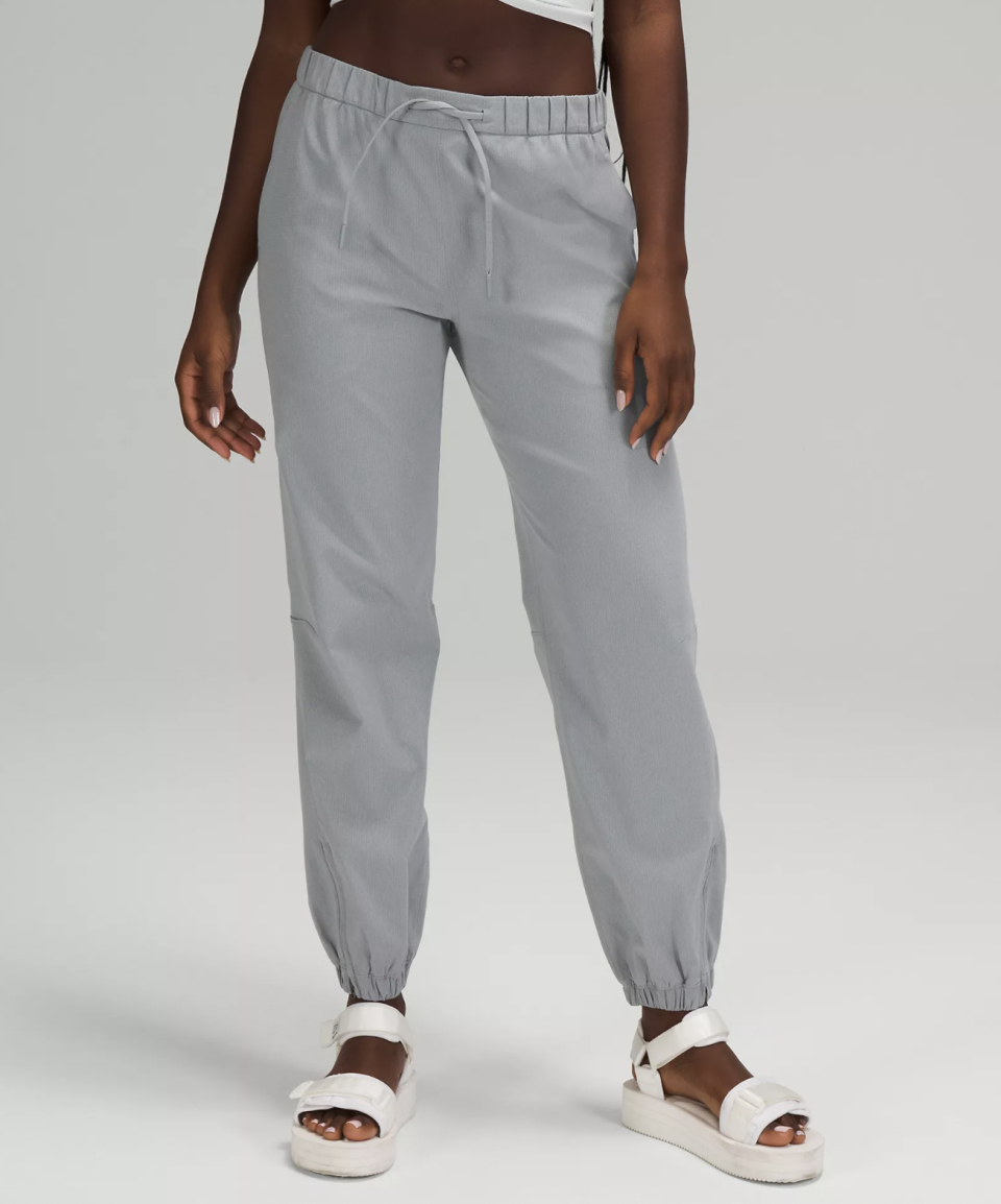 Essential Affinity Mid-Rise Jogger 27
