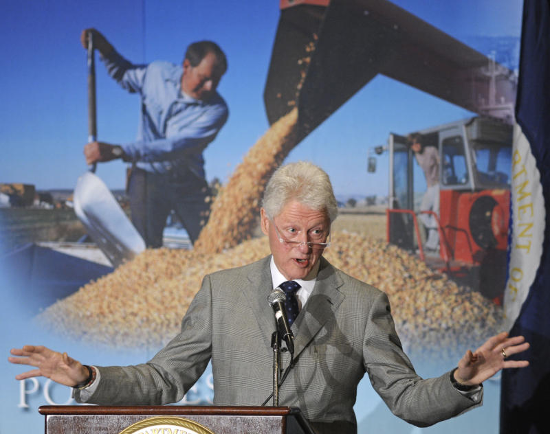 Former President Bill Clinton addresses the Agriculture Department's Agricultural Outlook Forum in Arlington, Va., Thursday, Feb. 24, 2011. (AP Photo/Cliff Owen)