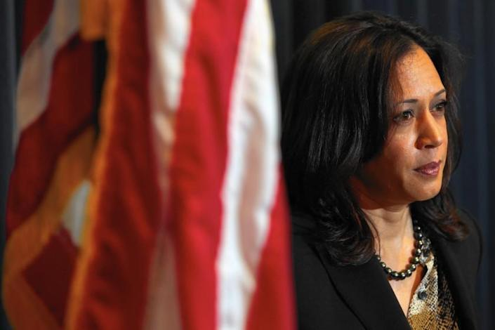 """Then-California Atty. Gen. Kamala Harris at a news conference in 2015. <span class=""""copyright"""">(Los Angeles Times)</span>"""
