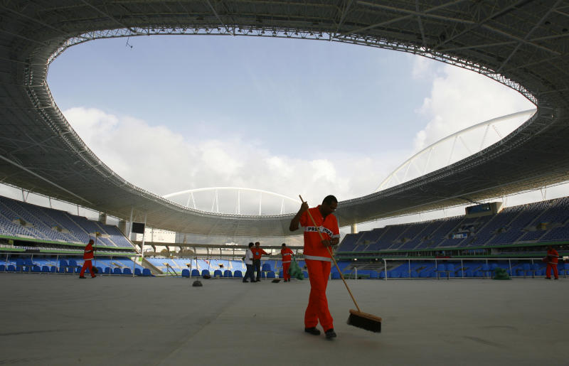 IOC backs Rio Olympic preps after stadium closure
