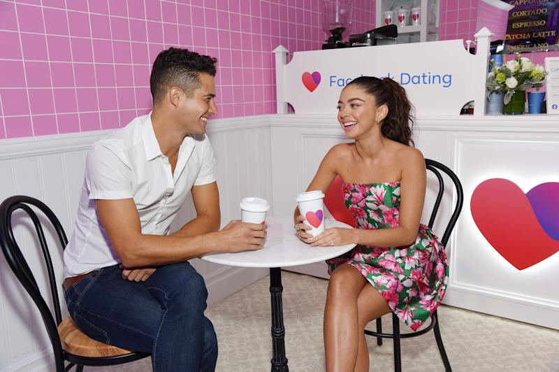 Sarah Hyland and Wells Adams on Facebook Dating and Falling in Love