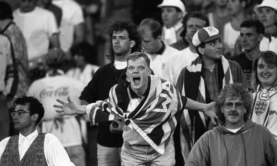 Irish fans at the World Cup Italia '90, Republic of Ireland v  England in Stadio Sant'Elia, Cagliari  The result was England 1 (goal by Gary Linekar) - Republic of Ireland 1 (goal by Kevin Sheedy)  11/06/1990    (Part of the Independent Newspapers Ireland/NLI Collection). (Photo by Independent News and Media/Getty Images).