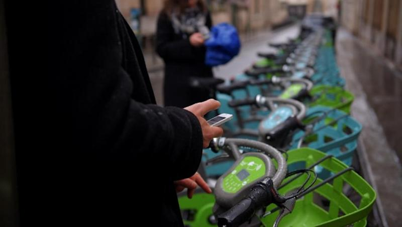 Transport strike puts Paris cyclists at increased risk