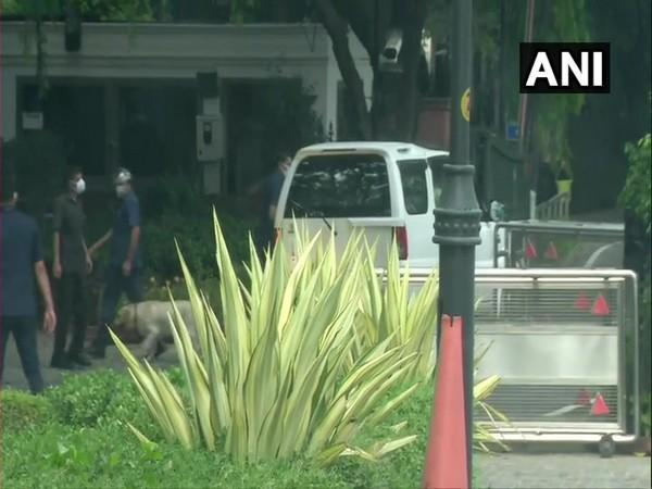 Congress leaders Ghulam Nabi Azad, Ghulam Ahmad Mir and Tara Chand arrive at 7 Lok Kalyan Marg - Prime Minister's official residence - for the all-party meeting(Pic/ANI).