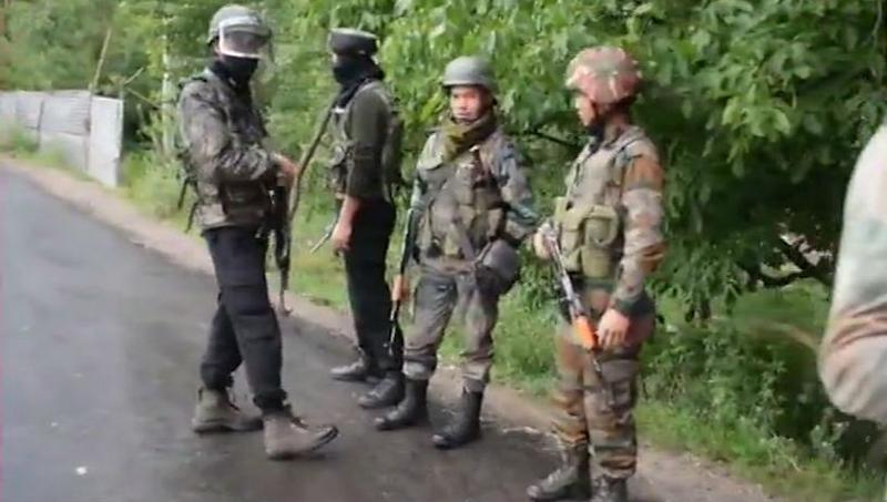 Jammu And Kashmir: Encounter Breaks Out Between Terrorists And Security Forces in Mangam Area of Kulgam District