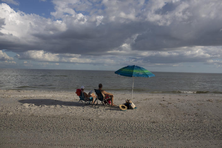 There are very few beachgoers where the red tide has been common this year at Sanibel Island, Fla., Oct. 15, 2018. (Photo: Saul Martinez for Yahoo News)