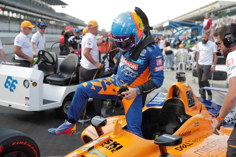 Alonso and McLaren miss Indy 500 on first day of qualifying