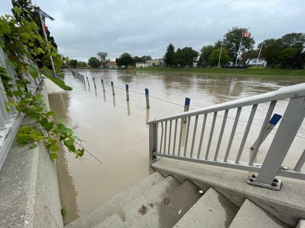 The Thames River in downtown Chatham, Ont., on Sept. 23, 2021. (Chris Ensing/CBC - image credit)