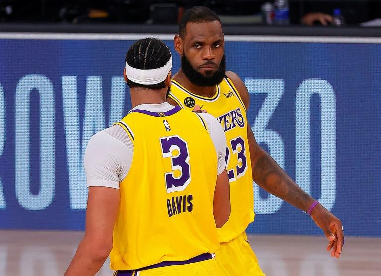 Lakers hold off Nuggets, take 3-1 series lead