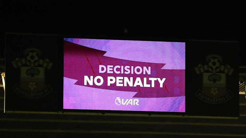 Wenger backs VAR but calls on referees to use pitchside monitors