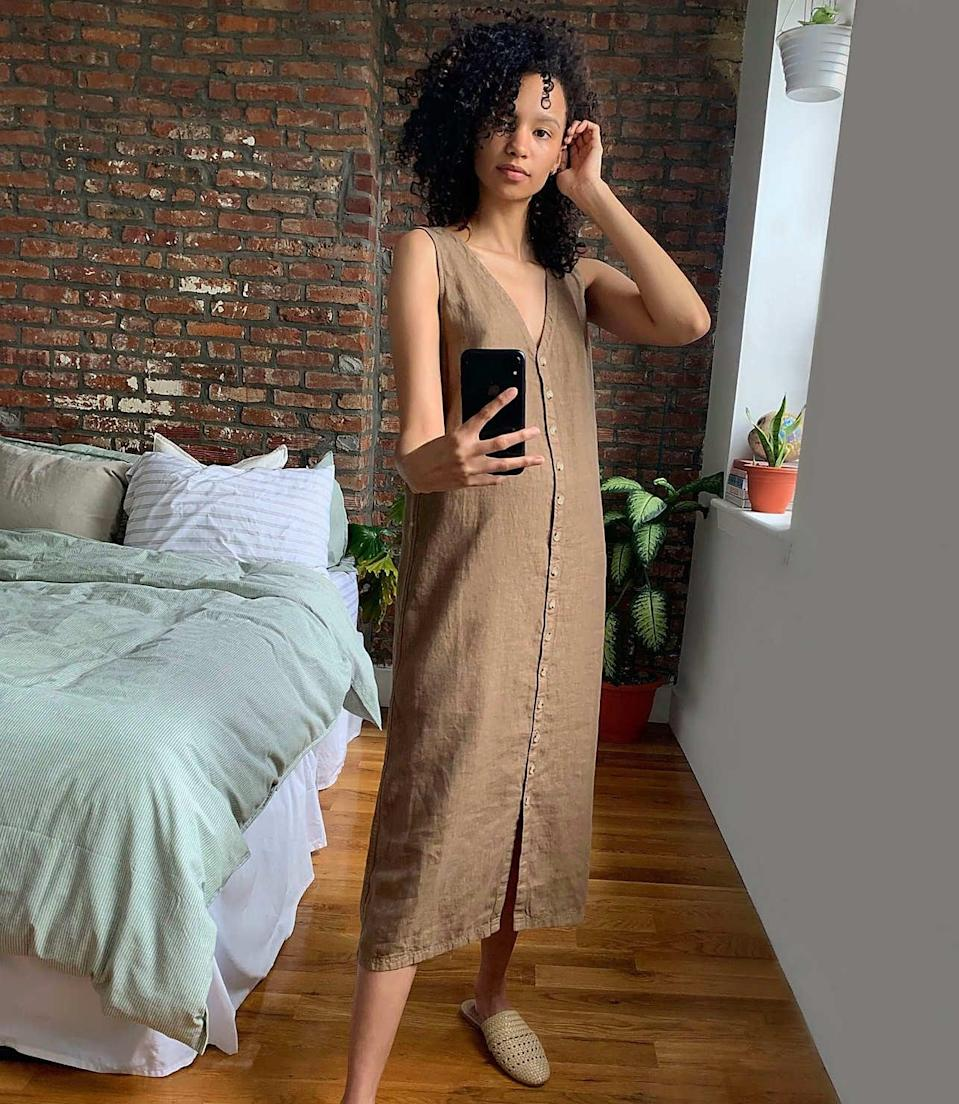 <p>We'd wear this comfortable <span>Lou &amp; Grey Linen Button V-Neck Midi Dress</span> ($98) all the time.</p>