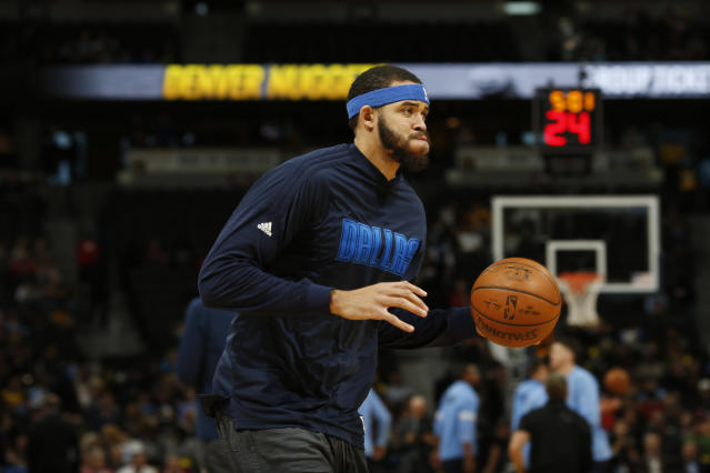"<a class=""link rapid-noclick-resp"" href=""/nba/players/4480/"" data-ylk=""slk:JaVale McGee"">JaVale McGee</a> could bring some levity to Oakland. (AP Photo/David Zalubowski)"