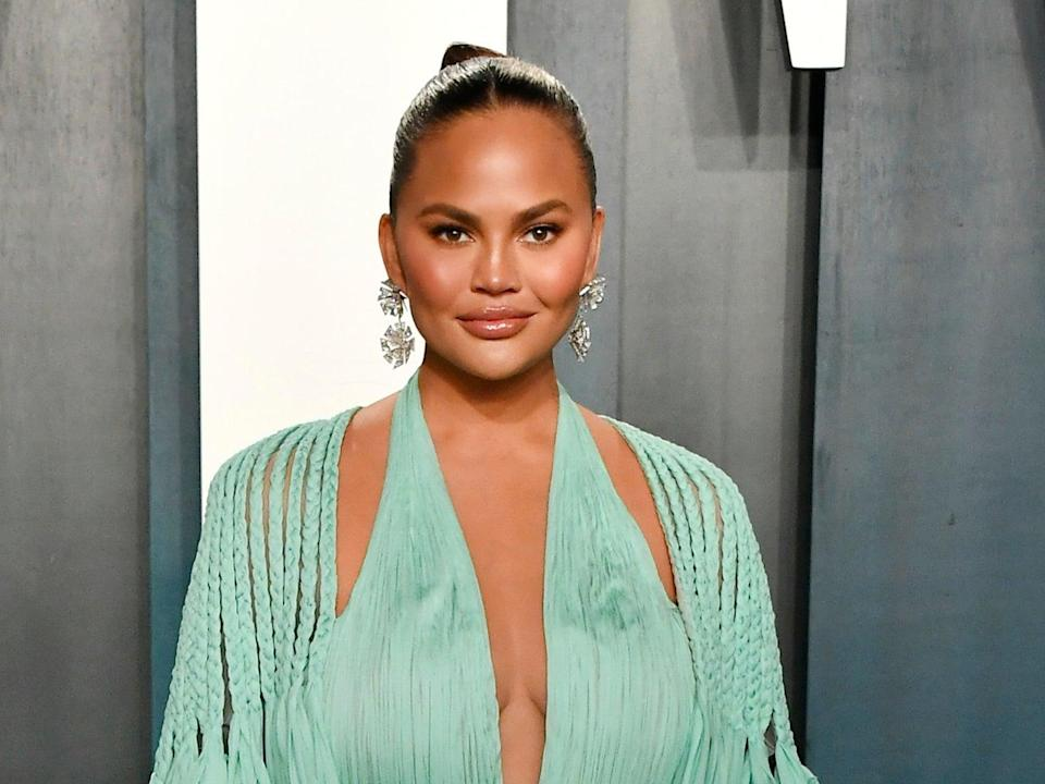 Chrissy Teigen at the 2020 Vanity Fair Oscar Party on 9 February 2020 in Beverly Hills, California (Frazer Harrison/Getty Images)