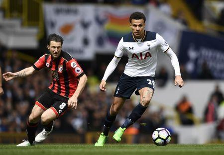 Britain Soccer Football - Tottenham Hotspur v AFC Bournemouth - Premier League - White Hart Lane - 15/4/17 Tottenham's Dele Alli in action with Bournemouth's Harry Arter Reuters / Dylan Martinez Livepic