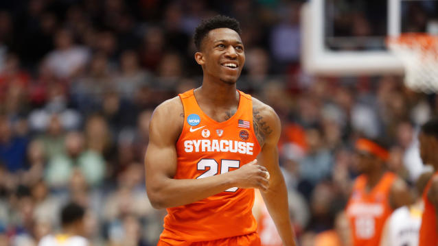 "<a class=""link rapid-noclick-resp"" href=""/ncaab/players/136404/"" data-ylk=""slk:Tyus Battle"">Tyus Battle</a> reportedly will return to Syracuse, a huge boost for the Orange next season. (AP Photo/John Minchillo)"