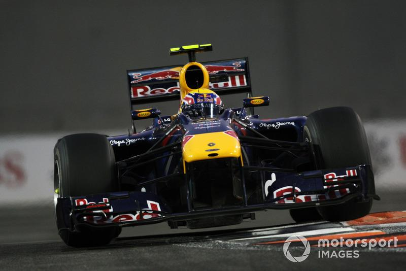 "Mark Webber, Red Bull Racing RB6<span class=""copyright"">LAT Images</span>"