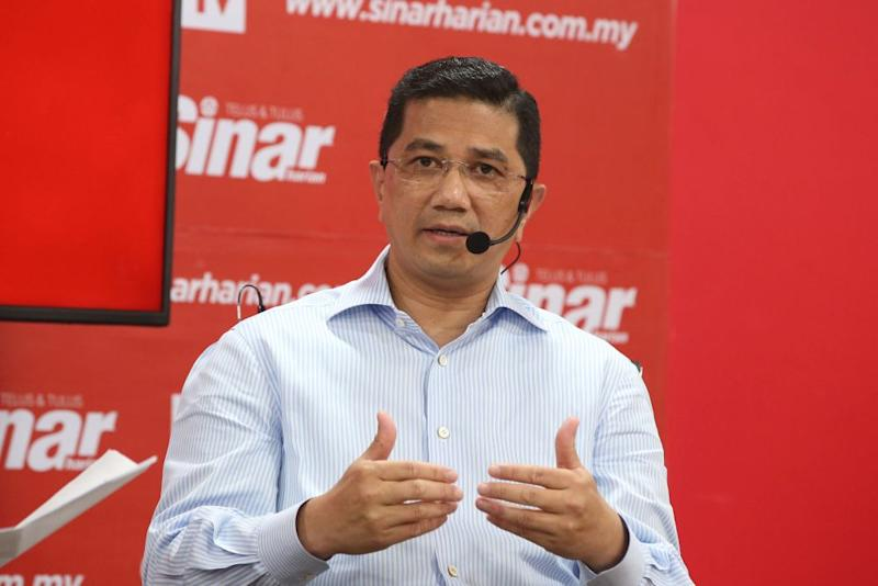 Azmin stressed that Cyberjaya's revival is vital for the nation's overall development as Malaysia cannot afford to lose out on new technologies. — Picture by Azinuddin Ghazali