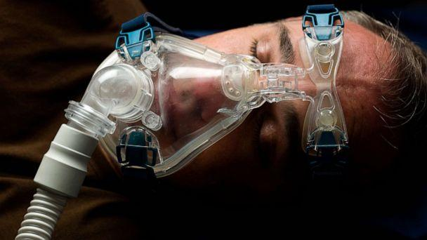 PHOTO: A man wears a mask for the treatment of sleep apnea in an undated stock photo. (STOCK PHOTO/Getty Images)
