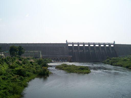 <p>The Bhavanisagar Dam and Reservoir, also called Lower Bhavani Dam, is located on the Bhavani River between Mettupalayam and Sathyamangalam in Erode District, Tamil Nadu, South India. The dam is situated around 16 km (9.9 mi) west to Satyamangalam and 35 km (22 mi) from Gobichettipalayam, 36 km (22 mi) north-east to Mettuppalayam and 70 km (43 mi) from Erode and 75 km (47 mi) from Coimbatore.</p><p>The dam is considered to be among the biggest earthen dams in the country. Bhavani Sagar dam is constructed on Bhavani River, which is merely under the union of Moyar River. The dam is used to divert water to the Lower Bhavani Project Canal.</p>{Photo by Rsrikanth05 (Own work) [CC-BY-SA-3.0 (http://creativecommons.org/licenses/by-sa/3.0)], via Wikimedia Commons}