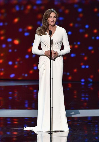 Caitlyn Jenner accepting her award in 2015 (Photo: Kevin Winter/Getty Images)