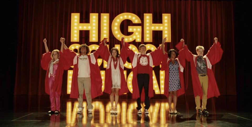 hsm 3 cast stage