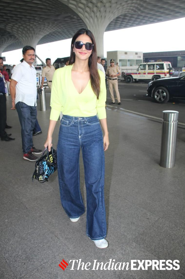 airport looks, airport fashion,siddhant chaturvedi latest photos, anushka sharma latest photos, kriti sanon latest photos, ranbir and alia latest photos, indian express lifestyle