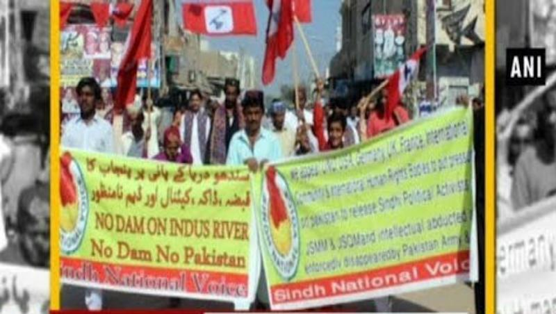Pakistan: Sindhi Activists Hold Protest Against Construction of Dams on Indus River