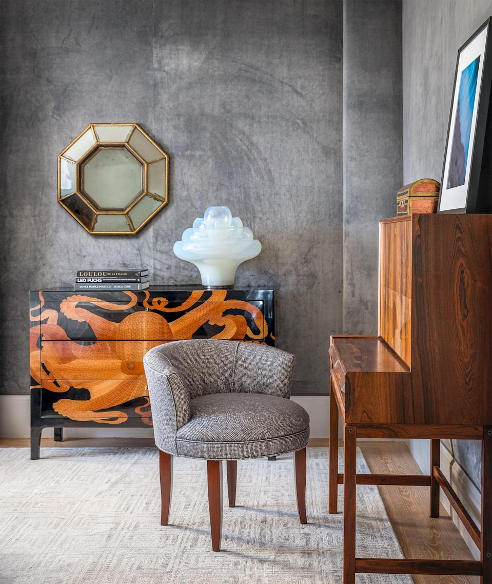 """<p>Though <a href=""""https://www.housebeautiful.com/room-decorating/colors/g1181/living-room-paint-color-ideas/"""" rel=""""nofollow noopener"""" target=""""_blank"""" data-ylk=""""slk:color"""" class=""""link rapid-noclick-resp"""">color</a> is often the first thing we turn to when a home is feeling lackluster or flat, <a href=""""https://www.housebeautiful.com/design-inspiration/g2238/textured-rooms/"""" rel=""""nofollow noopener"""" target=""""_blank"""" data-ylk=""""slk:texture"""" class=""""link rapid-noclick-resp"""">texture</a> is an equally (if not more) effective tool for livening up a room. Indeed, introducing texture to a space has the added bonus of bringing in <a href=""""https://www.housebeautiful.com/room-decorating/colors/g30782302/tented-rooms/"""" rel=""""nofollow noopener"""" target=""""_blank"""" data-ylk=""""slk:depth"""" class=""""link rapid-noclick-resp"""">depth</a> and <a href=""""https://www.housebeautiful.com/room-decorating/colors/g27287875/grasscloth-wallpaper/"""" rel=""""nofollow noopener"""" target=""""_blank"""" data-ylk=""""slk:dimension"""" class=""""link rapid-noclick-resp"""">dimension</a>, and even color-averse decorators can reap the benefits. It doesn't stop at throws, rugs, and fabrics, either. Dressing your <a href=""""https://www.housebeautiful.com/home-remodeling/interior-designers/g26965338/modern-wallpaper-ideas/"""" rel=""""nofollow noopener"""" target=""""_blank"""" data-ylk=""""slk:walls"""" class=""""link rapid-noclick-resp"""">walls</a> up in natural materials like marble and wood—or even paints and wallpapers with perceived texture effects—will instantly liven up a room that's falling flat without taking up surface space.</p>"""