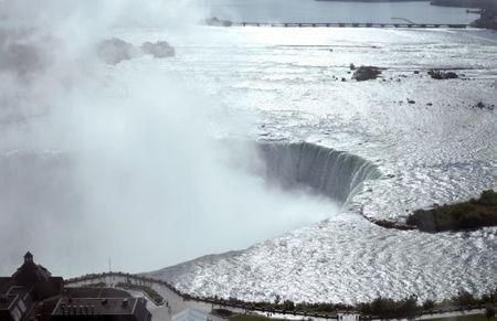 A general view taken from the Canadian side shows the Horseshoe Falls in Niagara from the Canadian side in Niagara Falls, Ontario, August 22, 2015.  REUTERS/Charles Platiau