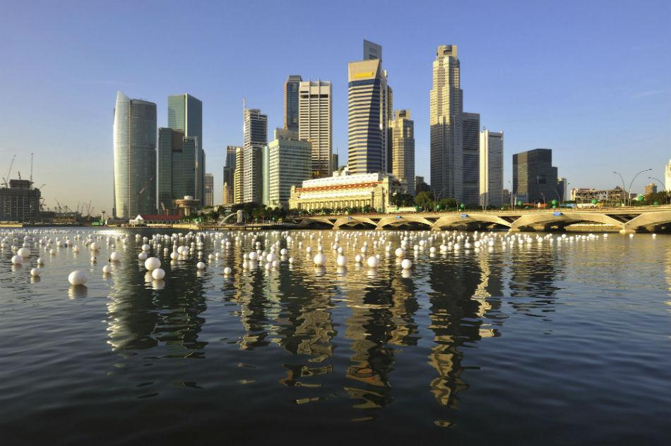 Singapore is a great travelling experience for the Muslim traveller as the food follows halal norms and the city's shopping and entertainment arcades cater to the entire family.