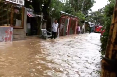 "<p>Typhoon Haima struck the northern Philippines early on Thursday morning, October 20, bringing heavy flooding in some areas.</p><p>This footage shows the flooding after the Typhoon hit San Fernando in the province of La Union. The power supply is being monitored throughout the province, according to <a href=""http://news.pia.gov.ph/article/view/2711476902643/la-union-on-red-alert-for-super-typhoon-lawin"" target=""_blank"">Government reports</a>.</p> <p>Typhoon Haima is known as Typhoon Lawin in the Philippines. Credit: Instagram/tinkoooy</p>"